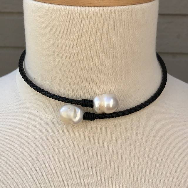 Jamie Rocks 8172 Pearl Leather Choker