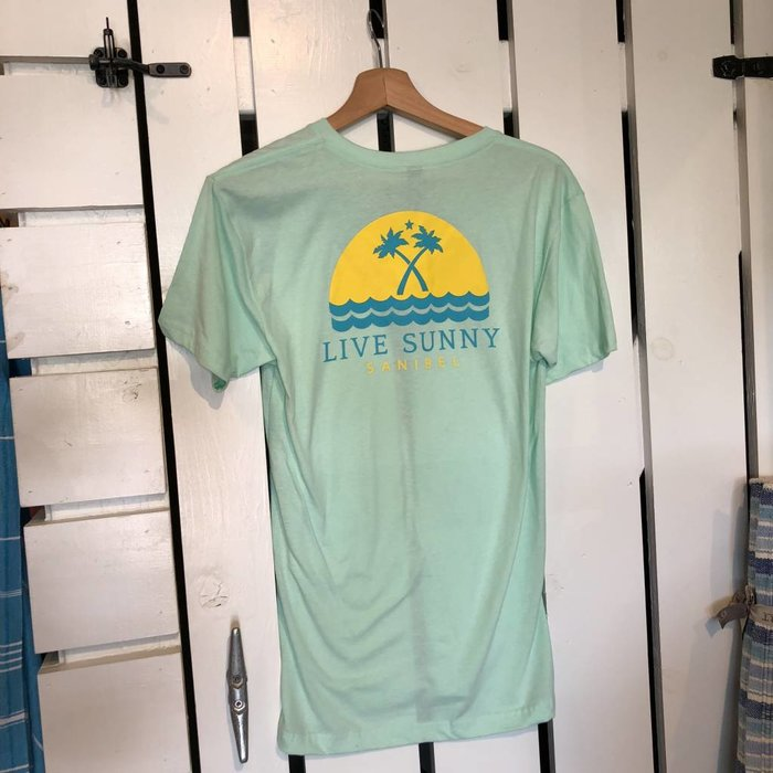 Live Sunny Waves - Relaxed Fit Tee