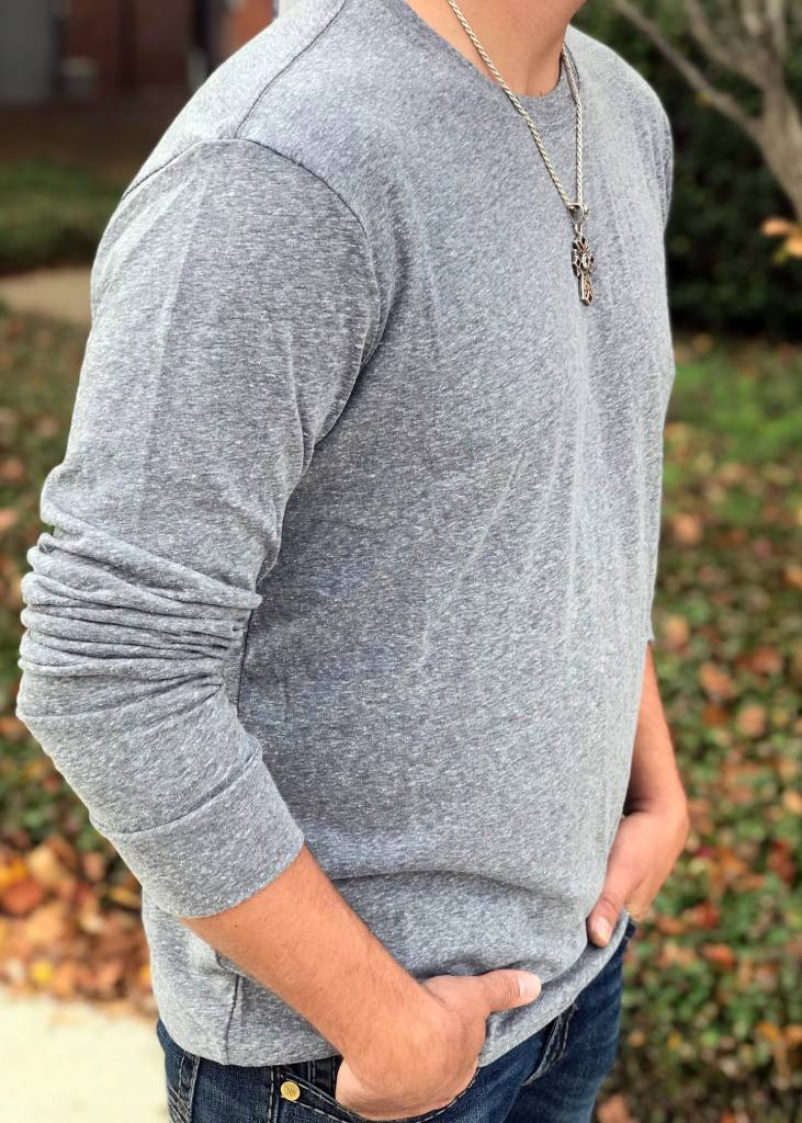 Diamond T Outfitters Long Sleeve Heather Crew in Grey