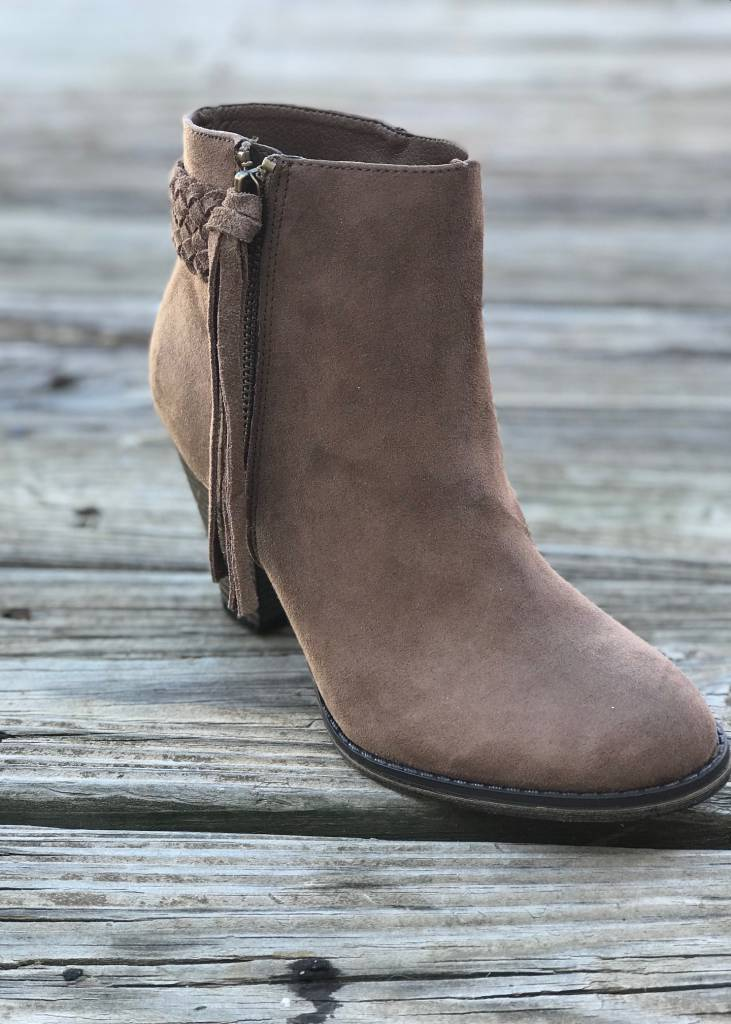 The Finnegan Bootie Taupe