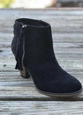 The Finnegan Bootie Black