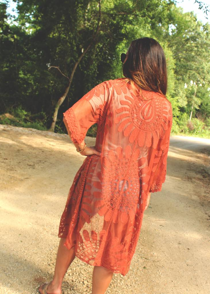 Diamond T Outfitters Boho Lace Kimono in Rust