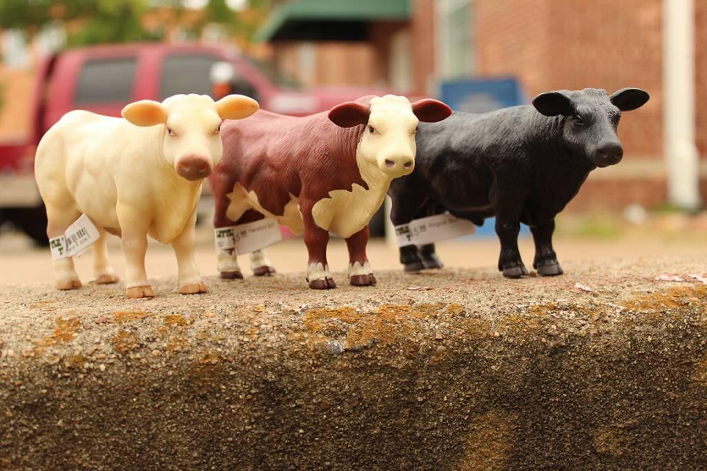 Little Buster Toys Charolais Bull