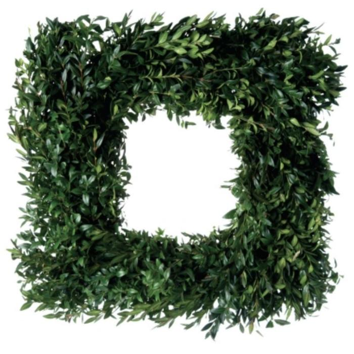 Fresh Boxwood Square Wreath 24""