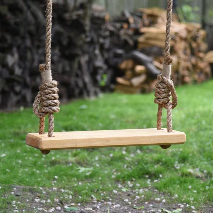 "Olde-Fashioned Tree Swing 32""w/ manila rope"