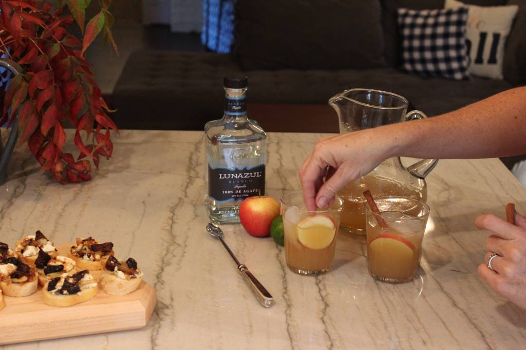 Sara's Thanksgiving Cocktail & Appetizer Recipes