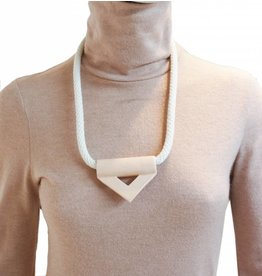YYY Collier Triangle
