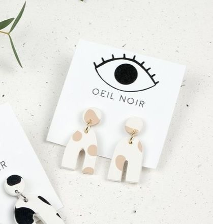 Oeil Noir U Earrings - Beige