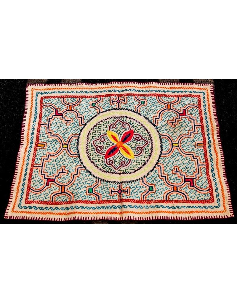 Medium textile made by Elisa Vargas Fernandez (Shipibo).