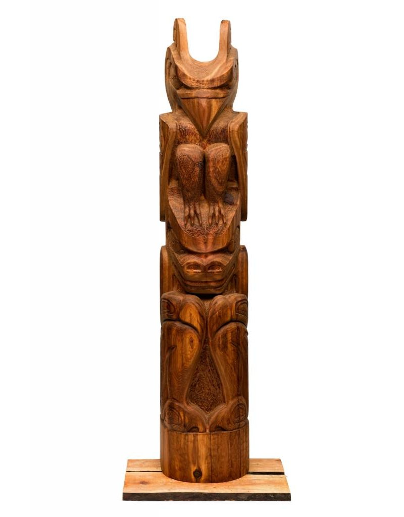 Thunderbird and Bear Totem Pole by Jay Coutts (Carrier, Cree).
