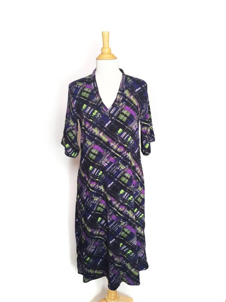 Sarah Bibb Long Kimmy V-Dress - Plaid
