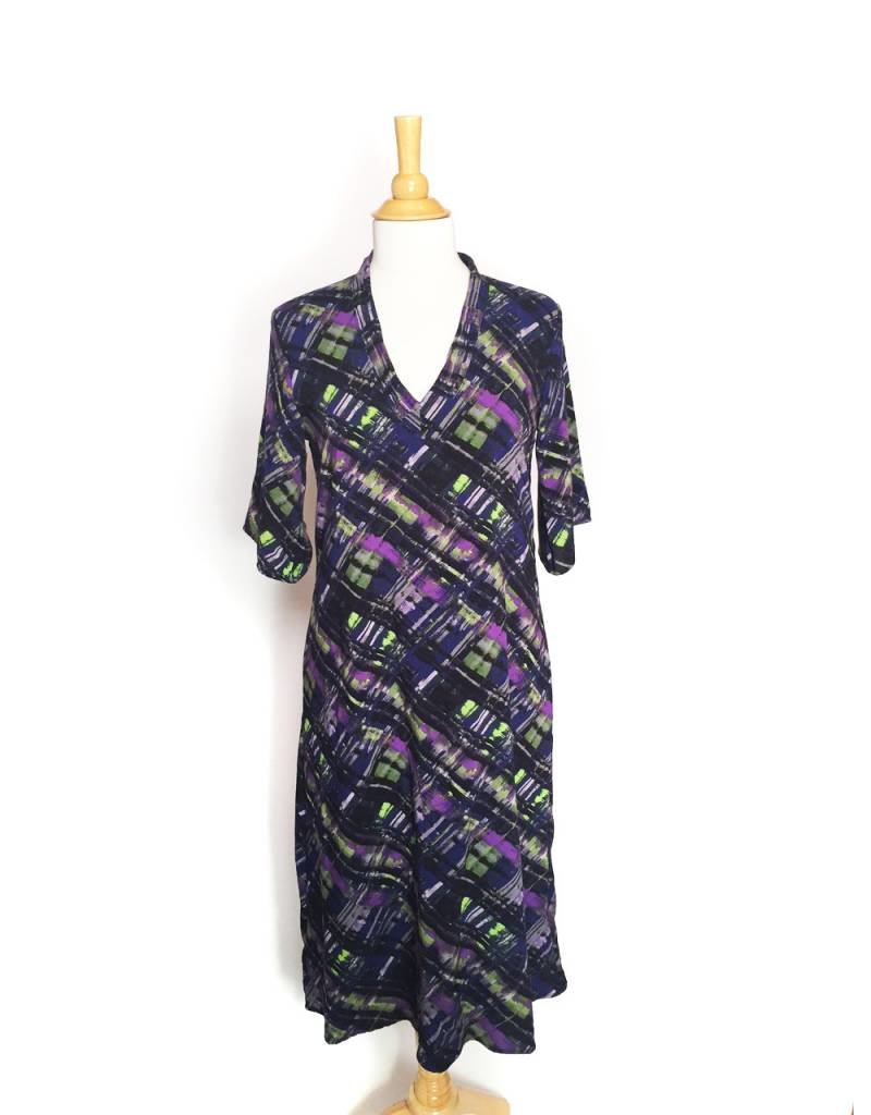 Sarah Bibb Long Kimmy V-Dress - Plaid