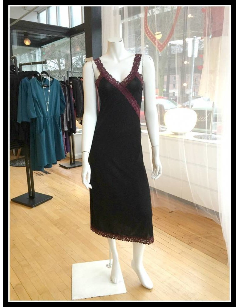 Sarah Bibb Eva Night Gown - Black with Wine Lace