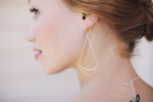Favor Verge Earrings - Multiple Colors