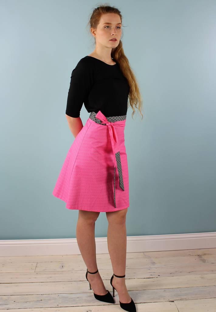 Sarah Bibb Hyla Reversible Wrap - Fan/Barbie