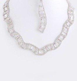 Wavy Crystal Necklace