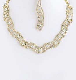 Gold Wavy Crystal Necklace