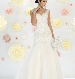 Off White Lace Beaded Bridal Gown Size 6