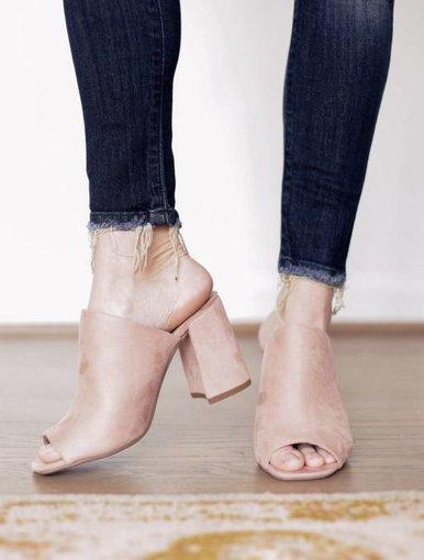 Trot Heels