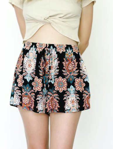 Beth Shorts - Black