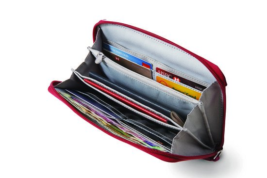 Pacsafe Pacsafe RFIDsafe W200 RFID Blocking Travel Wallet