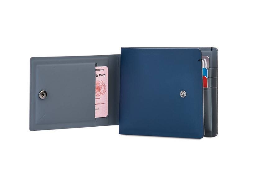 Pacsafe RFIDsafe™ TEC bifold PLUS wallet