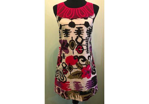 Patterned summer dress with pink detail