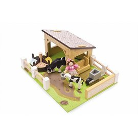 Le Toy Van Yellow Barn with Cows & Budkin
