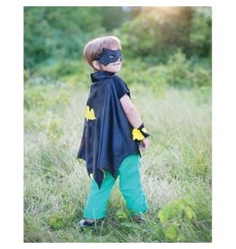 Creative Education of Canada Creative Education Bat Cape Set with Mask and Wristbands