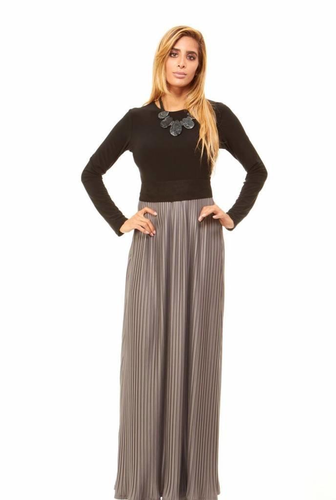 Bella Donna Pleated Skirt Maxi Dress