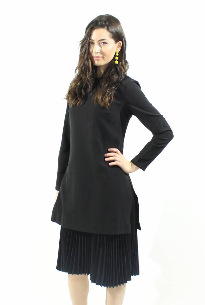 MW Black Dress w/t Bottom Pleats