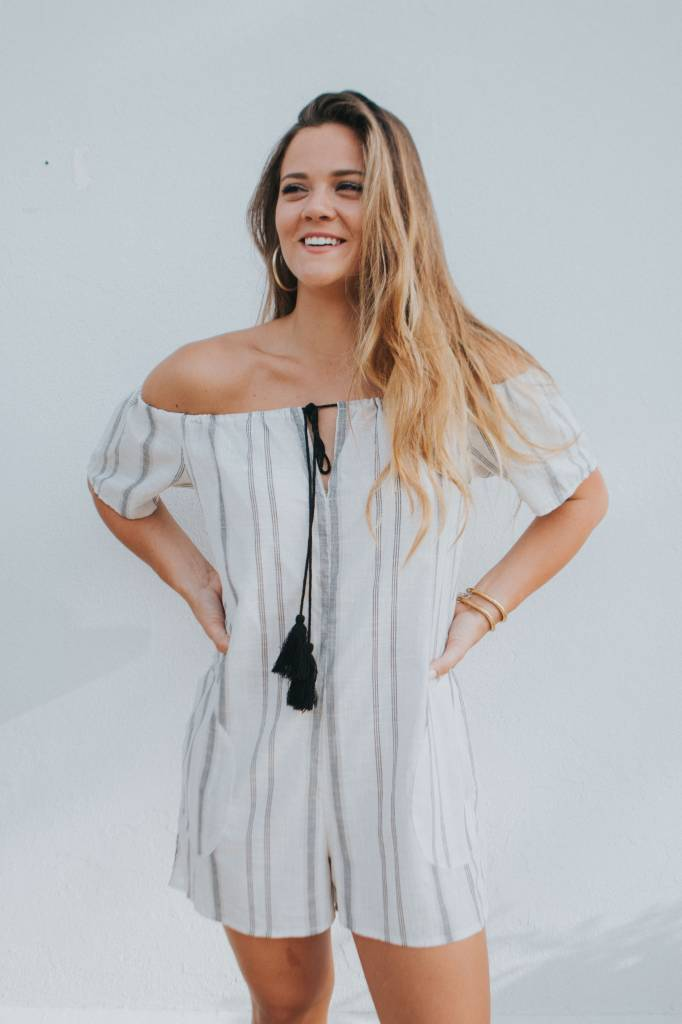 BCBGeneration OFF THE SHOULDER ROMPER