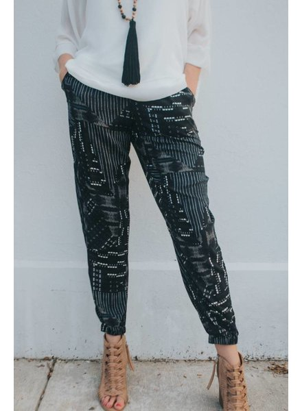 BCBGeneration PRINTED PULL ON JOGGER PANT