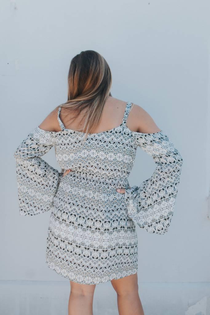 CUPCAKES & CASHMERE STARLING COLD SHOULDER DRESS