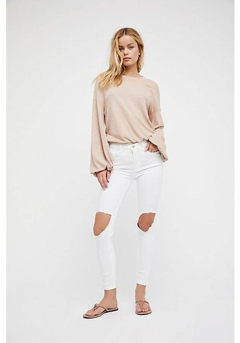 HIGH RISE BUSTED SKINNY JEAN