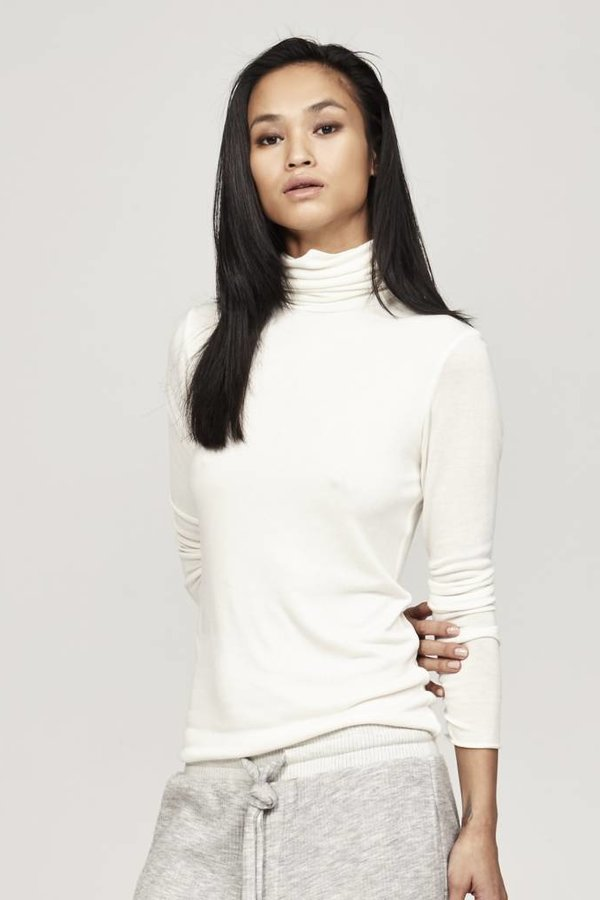 TWENTY Knit Long Sleeve Funnel Neck
