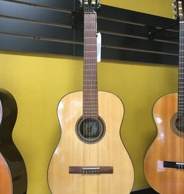 Granada (used) 1967 Granada Classical Guitar w/ Chipboard Case