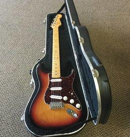 Fender (used) Fender American Standard Stratocaster - Sunburst w/ Hardshell Case