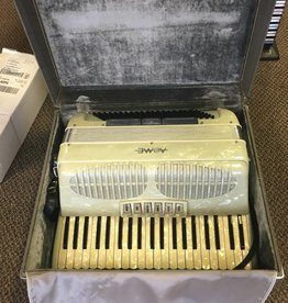 (used) Acme Guilietti  Accordion w/ hardshell case + books