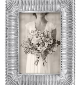 Mariposa 5 x 7 Classic Fanned Frame