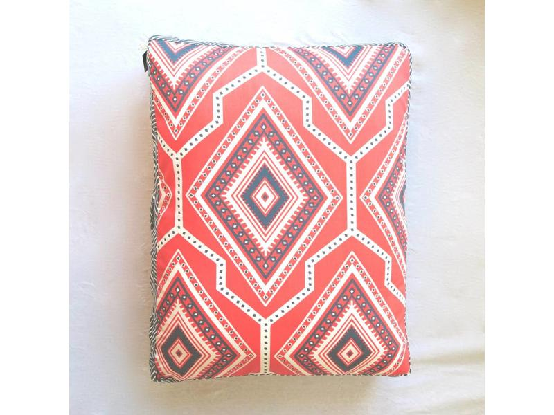Janery Charlie Cushion Coral