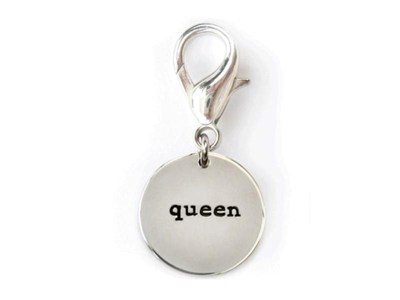 Collar Charm, Queen