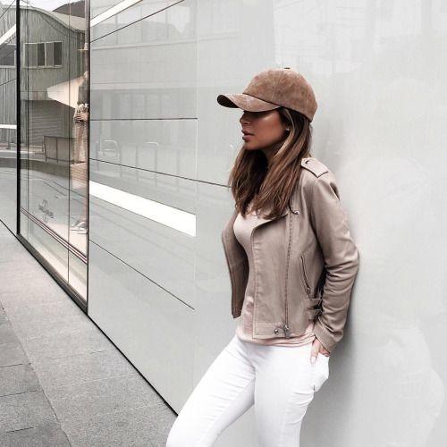 Fashionomics Velvet Baseball Hat