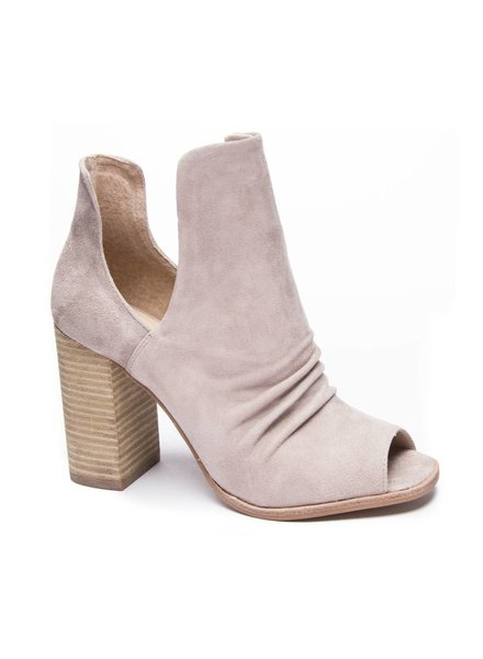 Chinese Laundry Lash Suede Heels