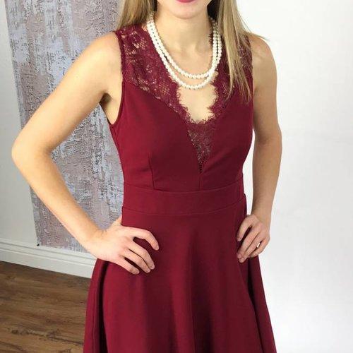 Burgundy V-Neck Sleeveless Floral Shoulder Dress