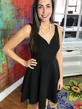 Black Line-Texture Sleeveless V-Neck Dress