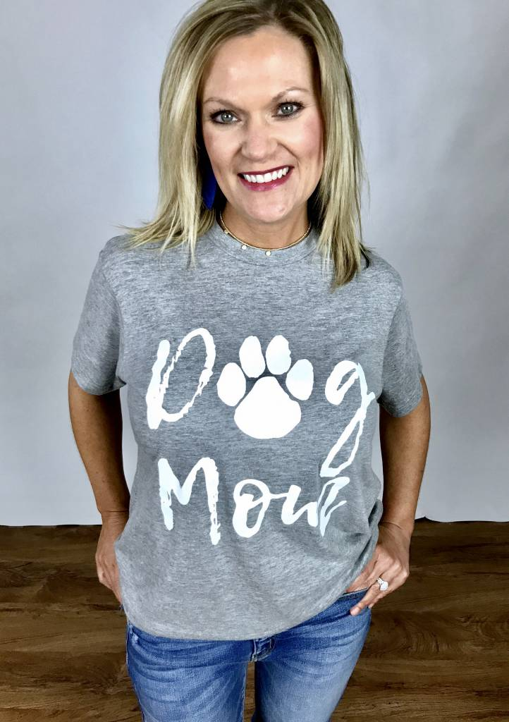 "Lillie's Heather Grey ""Dog Mom"" Graphic Top"