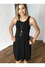 Lillie's Black Solid Sleeveless Simple Dress