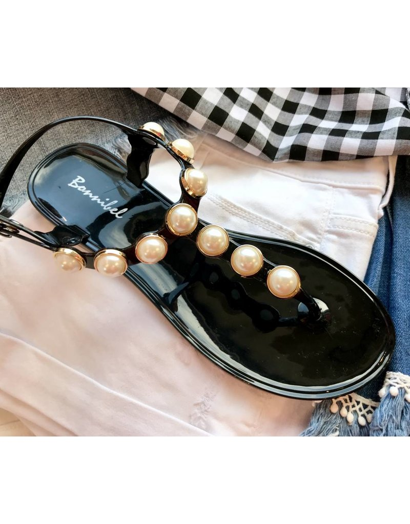 Black Chunky Pearl Accented Flat Sandal