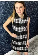 Black / Fuchsia Plaid Sleevess Button Up Dress